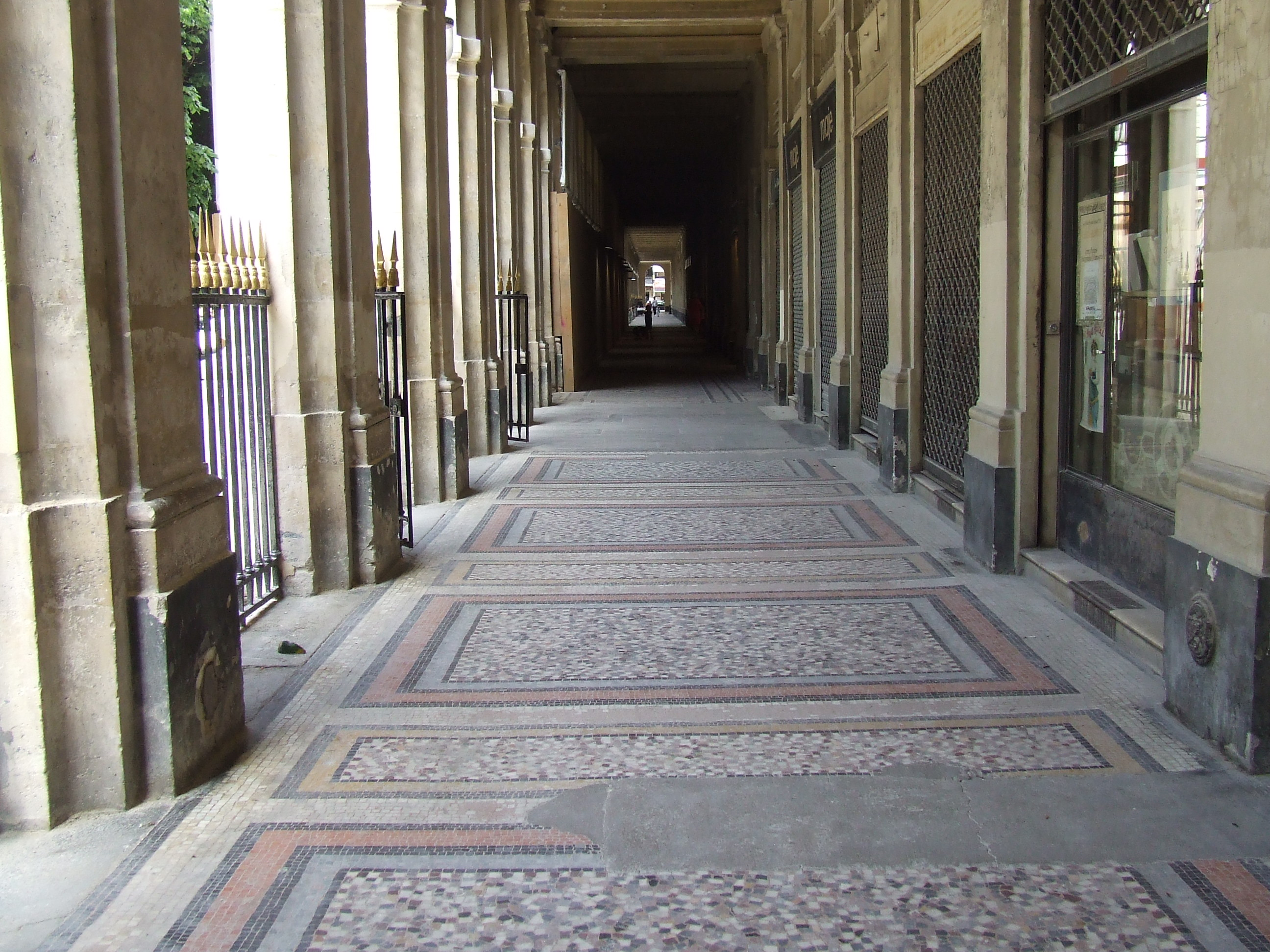 Paris Secret Passages June 17, 2013 047