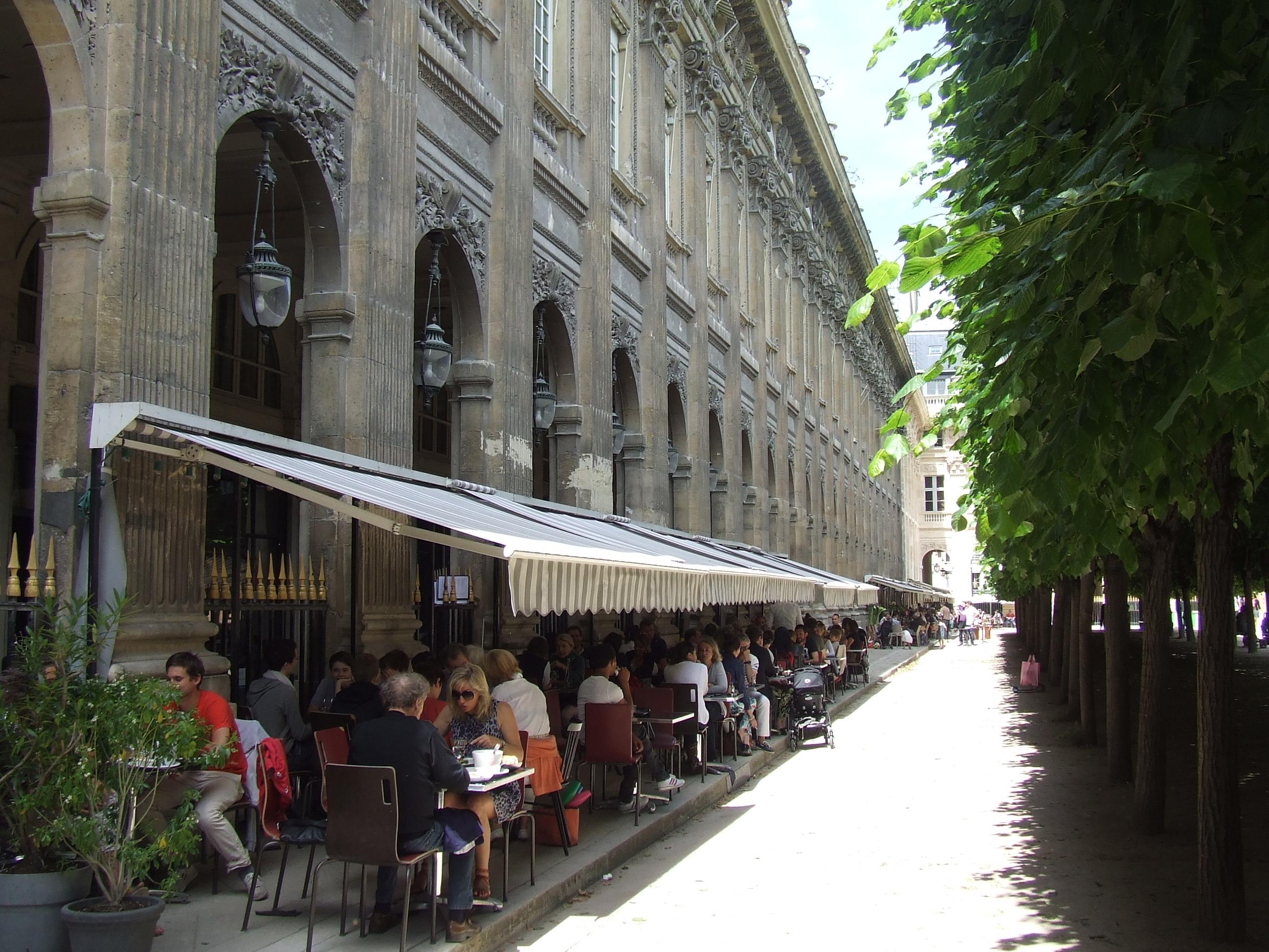 Jardin du palais royal juliet in paris for Jardin secret paris