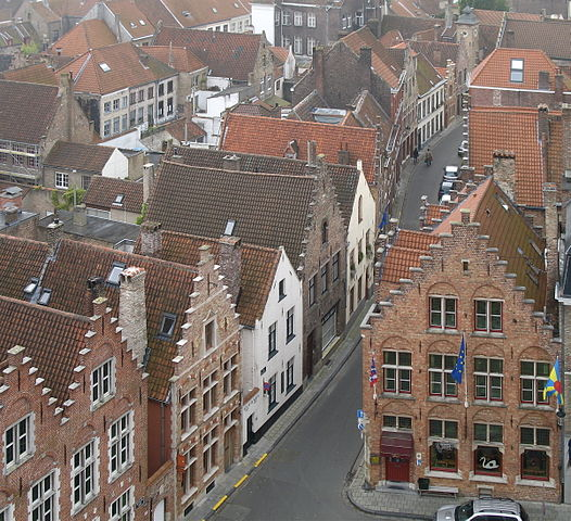 526px-Roofs_of_Bruges_01