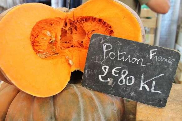 Sept 14, 2014 Neuilly market Sunday 006