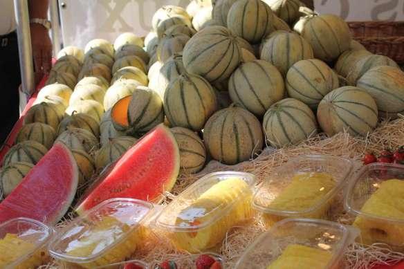 Sept 14, 2014 Neuilly market Sunday 038
