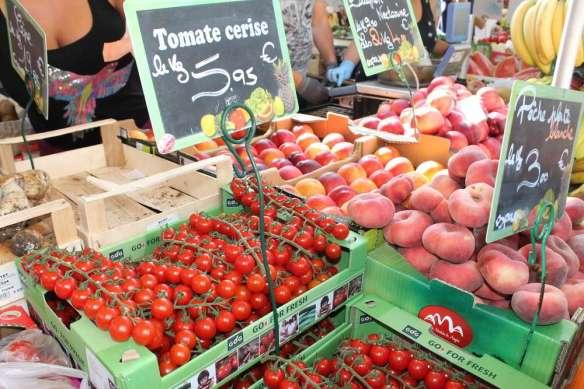 Sept 14, 2014 Neuilly market Sunday 047