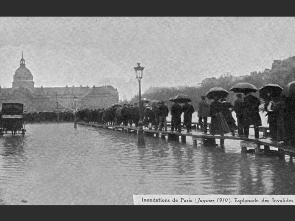 France, Paris : La crue de la Seine 1910