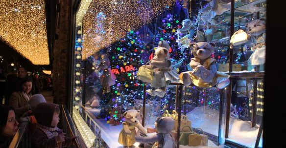 cropped-xmas-windows.jpg