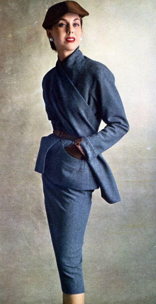 8843c5954e48c1031a79c500db3e1ec5--women-suit-christian-dior-vintage